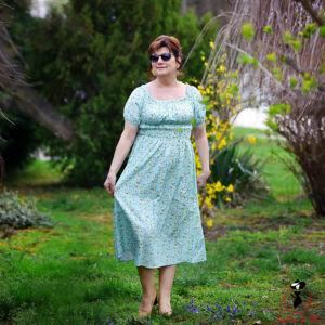 Virágmintás carmen-stílusú ruha