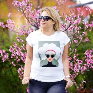 Női fejet ábrázoló póló