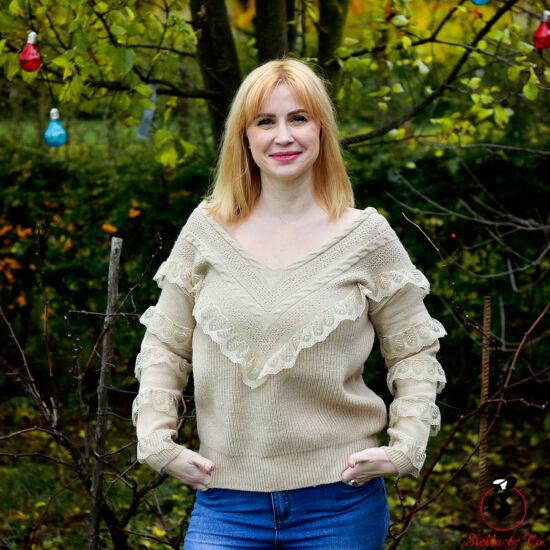 Csipke díszítésű kötött pulóver