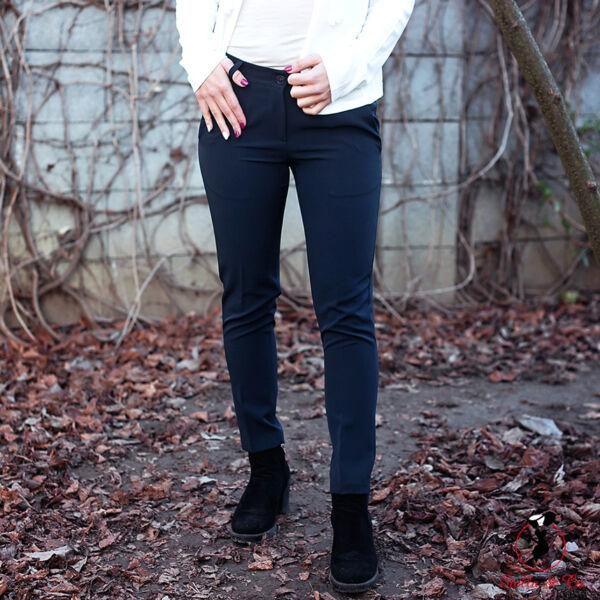 Élére vasalt nadrág